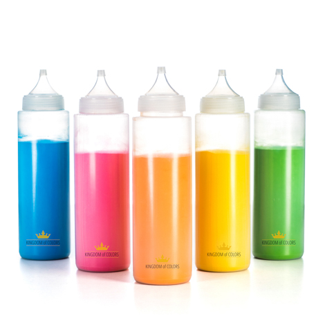 Colour powder squeezy bottles